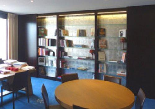 Bureau de directeur bancaire à Paris