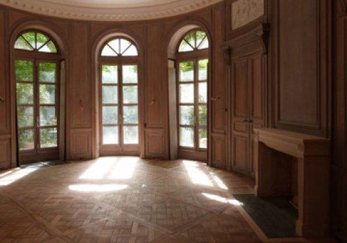 Salon oval