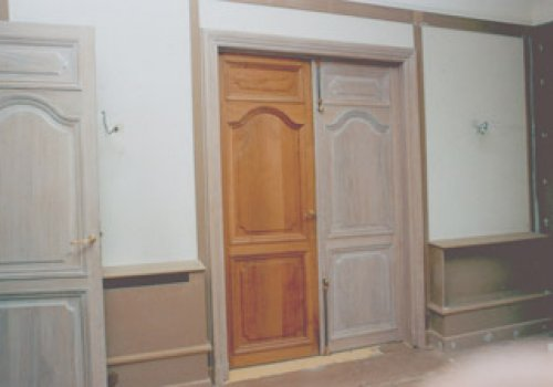 Cire blanche sur portes Régence